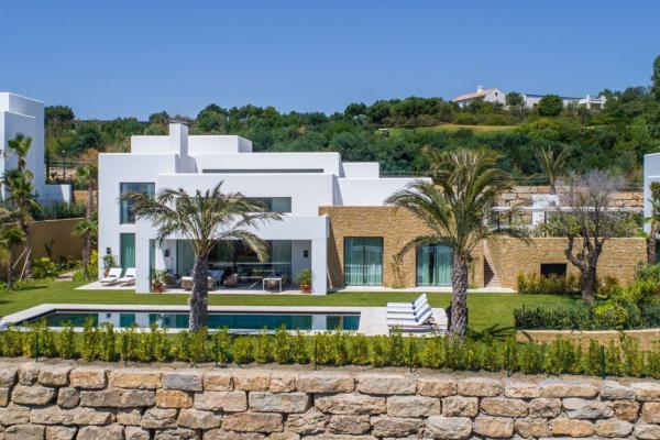 5 Bedroom, 5 Bathroom Villa For Sale in Finca Cortesin, Casares